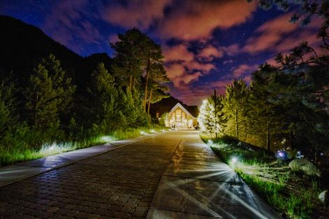 Della Terra Mountain Chateau, Estes Park CO --- Photo by Snap Lounge